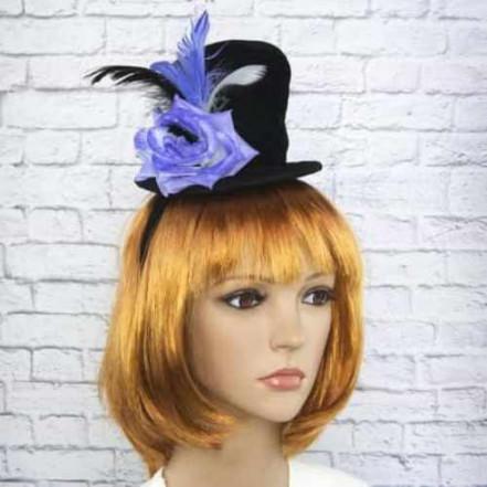 Шляпка на ободке Марди Гра с фиолетовой розой 8948-022