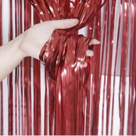 Шторка для фотозоны 1х2м красная (дождик)